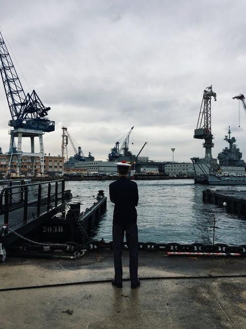 idade mínima Foto profissional grátis de água, barcos a vela, cais, cargueiro
