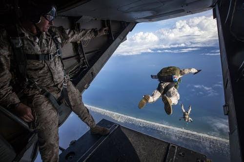 idade mínima Foto profissional grátis de aeronave, avião, exército, força aérea